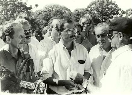 Stedile, recebendo o Ministro da Agricultura Antônio Cabrera em sua Fazenda no início dos anos 90